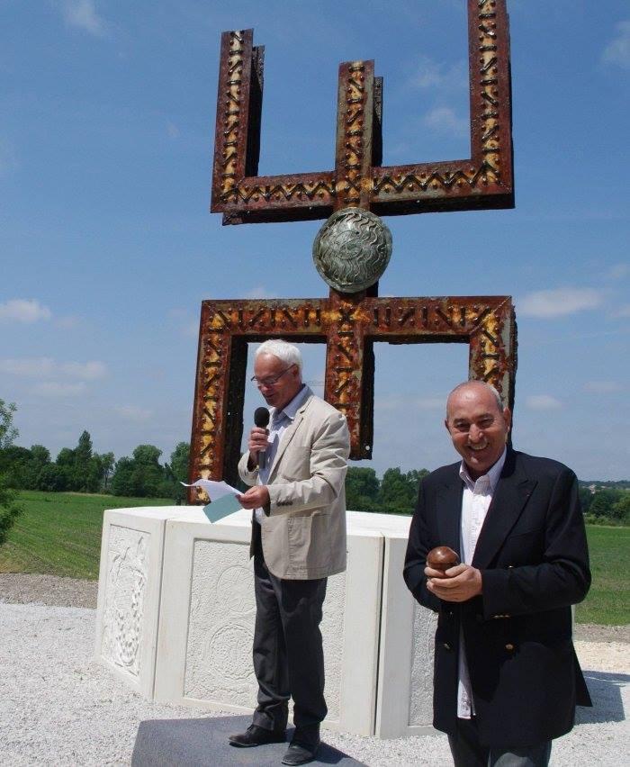 Frans gemeente laat Amazigh beeld plaatsen