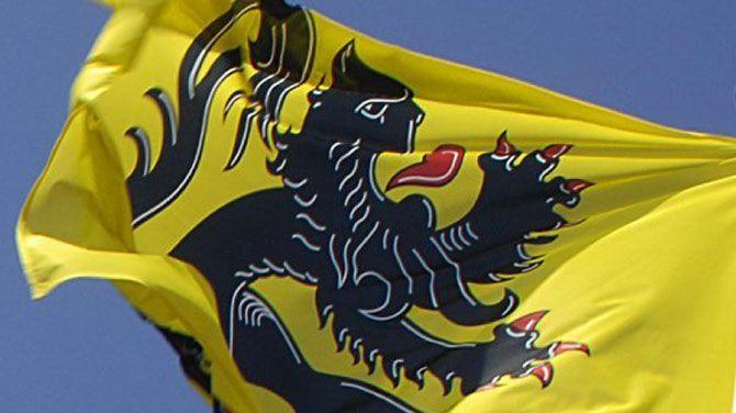 België Turkse en Marokkaanse vlag in Ninove vervangen door Vlaamse Leeuw