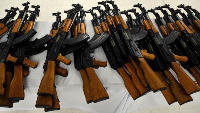 01 – Sharia4Belgium-lid bezat AK-47