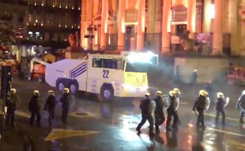 Laat Marokko opdraaien voor schade na rellen in Brussel