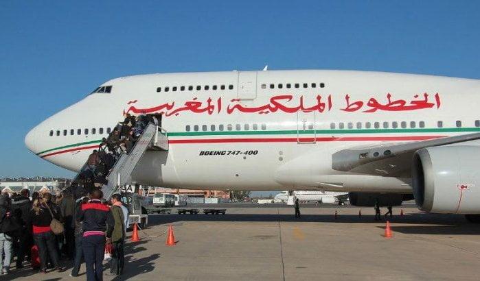 Reizigers naar Marokko al ruim dag vast op Schiphol