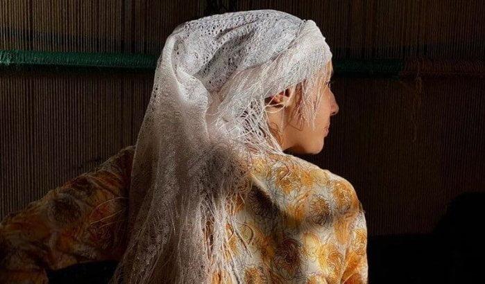 Apple heeft de Amazigh-vrouwen in de bloemetjes gezet