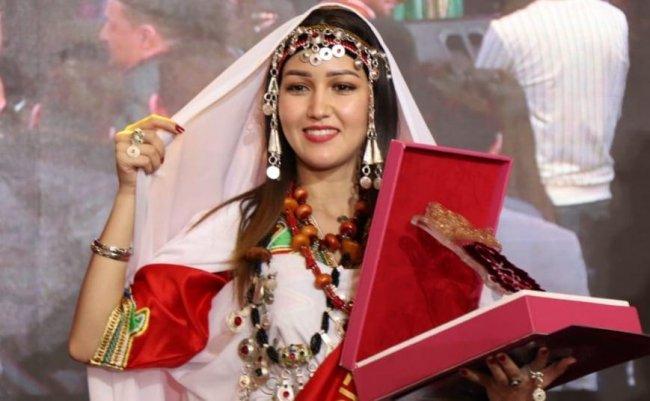 Hajar Mrabet werd zaterdag in Agadir tot Miss Amazigh 2019 gekroond