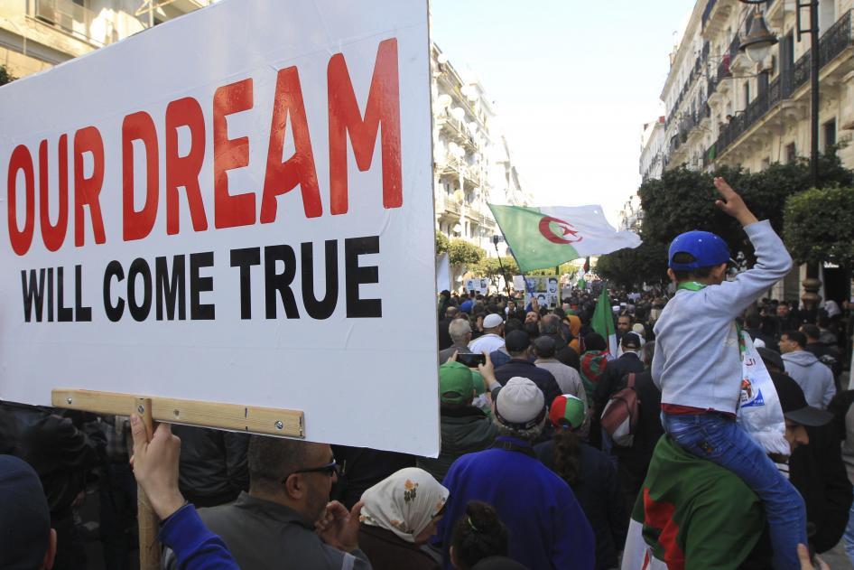 Algerije: Meer dan 170 demonstranten worden geconfronteerd met gevangenisstraffen